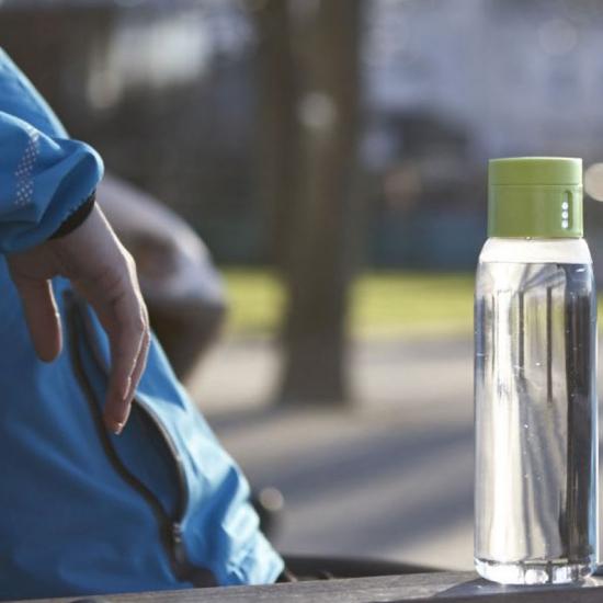 Бутылочка для воды со счетчиком количества выпитого объема Joseph Joseph Dot 8