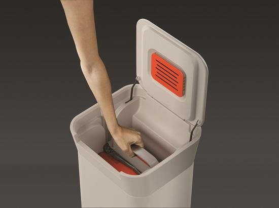 Контейнер для мусора с прессом Joseph Joseph Titan 20L 8