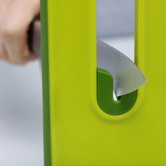 Разделочная доска с ножеточкой Joseph Joseph Slice&Sharpen™ Small 3