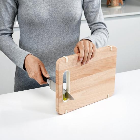 Деревянная разделочная доска с ножеточкой Joseph Joseph Slice&Sharpen™ Wood 2